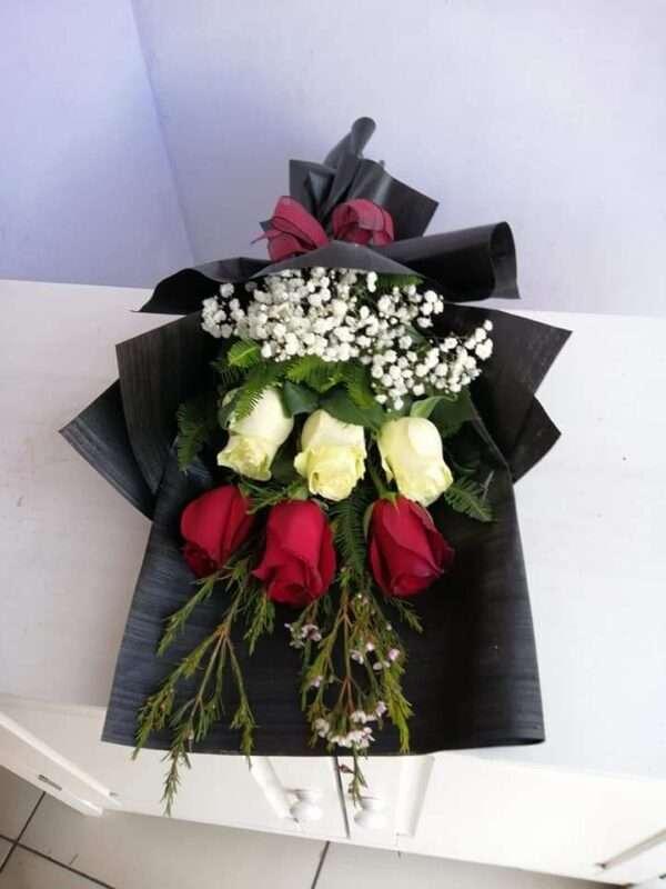 Ramo de 6 Rosas Combinadas